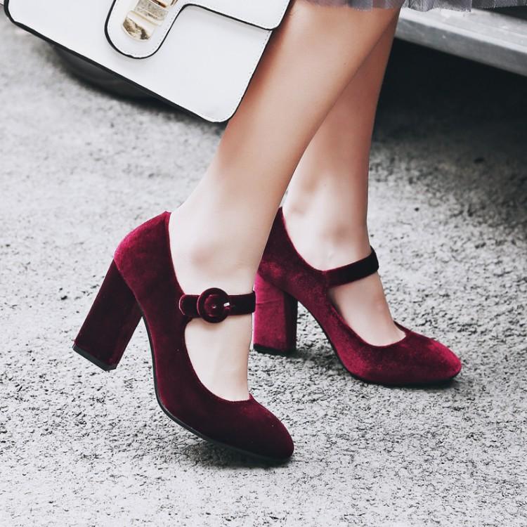 绿色高跟鞋 18春酒红色金丝绒复古一字扣粗跟绿色玛丽珍浅口单鞋圆头高跟鞋女_推荐淘宝好看的绿色高跟鞋