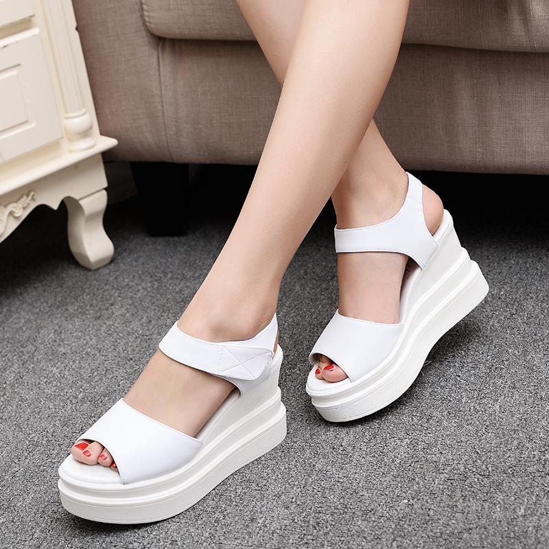 白色罗马鞋 2019夏新款韩国真皮坡跟凉鞋松糕厚底高跟防水台鱼嘴罗马女鞋白色_推荐淘宝好看的白色罗马鞋