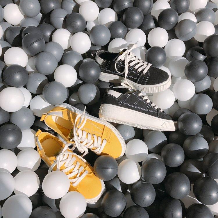 黄色运动鞋 女单鞋2018春夏季新款系鞋带黑色黄色松糕底厚底休闲鞋学生运动型_推荐淘宝好看的黄色运动鞋