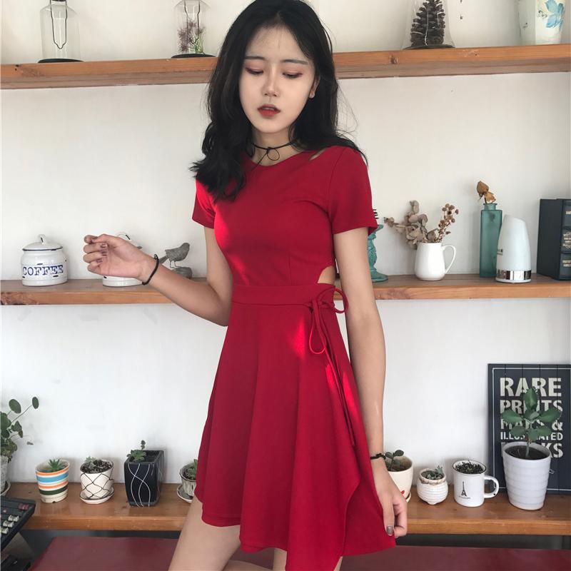 红色连衣裙 韩国chic风复古小心机性感镂空显瘦系带小黑裙夏季修身短袖连衣裙_推荐淘宝好看的红色连衣裙