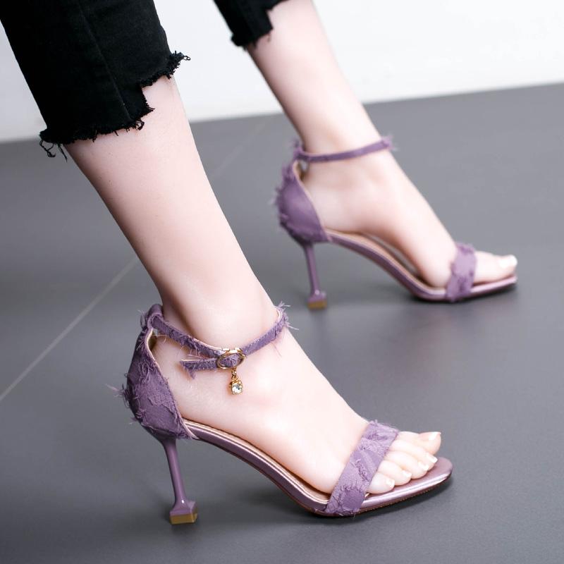 紫色鱼嘴鞋 小清新高跟鞋女夏2018新款细跟时尚优雅性感紫色一字扣带露趾凉鞋_推荐淘宝好看的紫色鱼嘴鞋