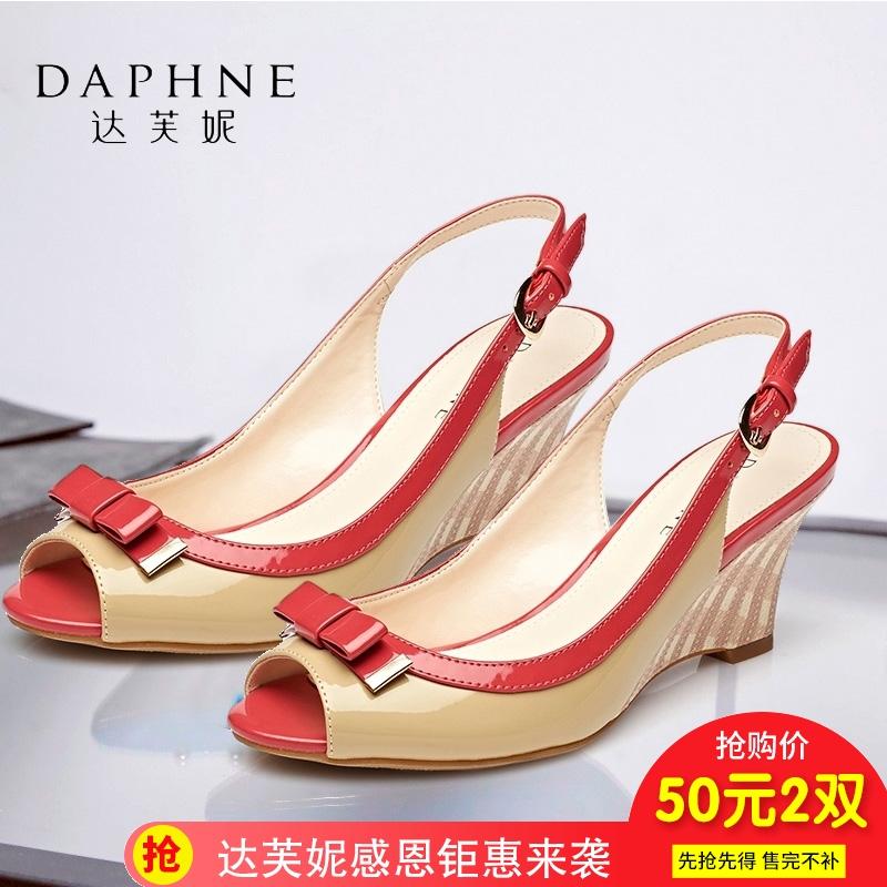 达芙妮鱼嘴鞋 Daphne达芙妮舒适坡跟蝴蝶结漆皮鱼嘴女凉鞋1015303009_推荐淘宝好看的女达芙妮鱼嘴鞋