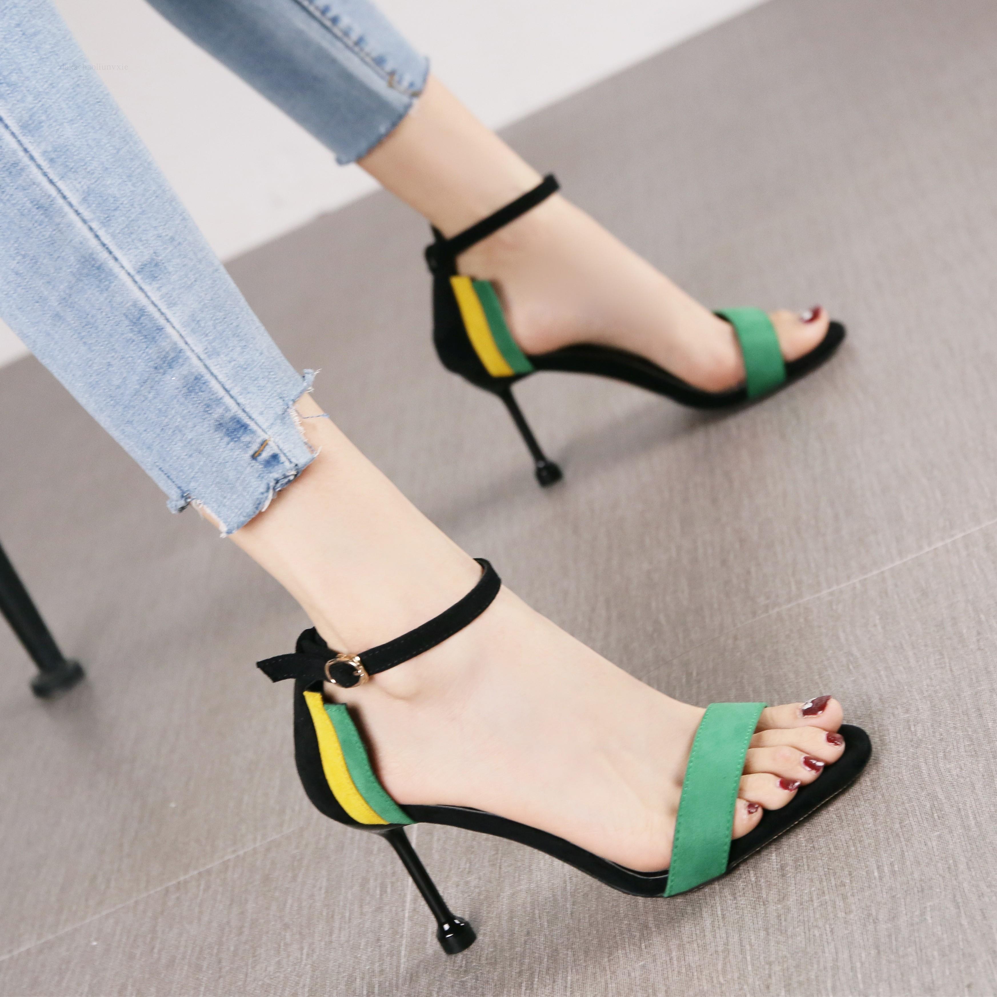 绿色凉鞋 韩版少女甜美拼色绒面露趾凉鞋女夏2018英伦风时尚绿色细跟高跟鞋_推荐淘宝好看的绿色凉鞋