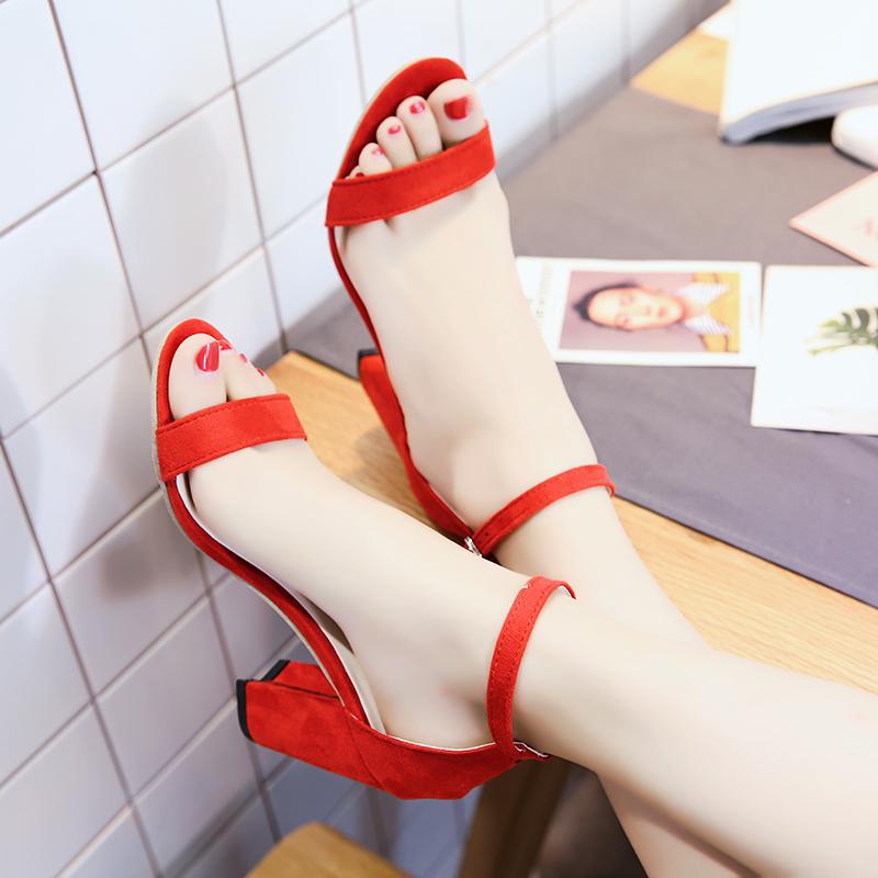 红色鱼嘴鞋 凉鞋女夏高跟鞋粗跟一字扣中空韩版百搭绒面黑色简约红色露趾女鞋_推荐淘宝好看的红色鱼嘴鞋