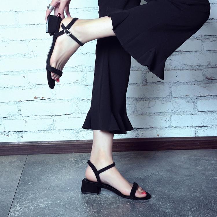 黑色凉鞋 2018新款真皮百搭露趾一字扣带粗跟中跟凉鞋女夏罗马黑色大码41_推荐淘宝好看的黑色凉鞋