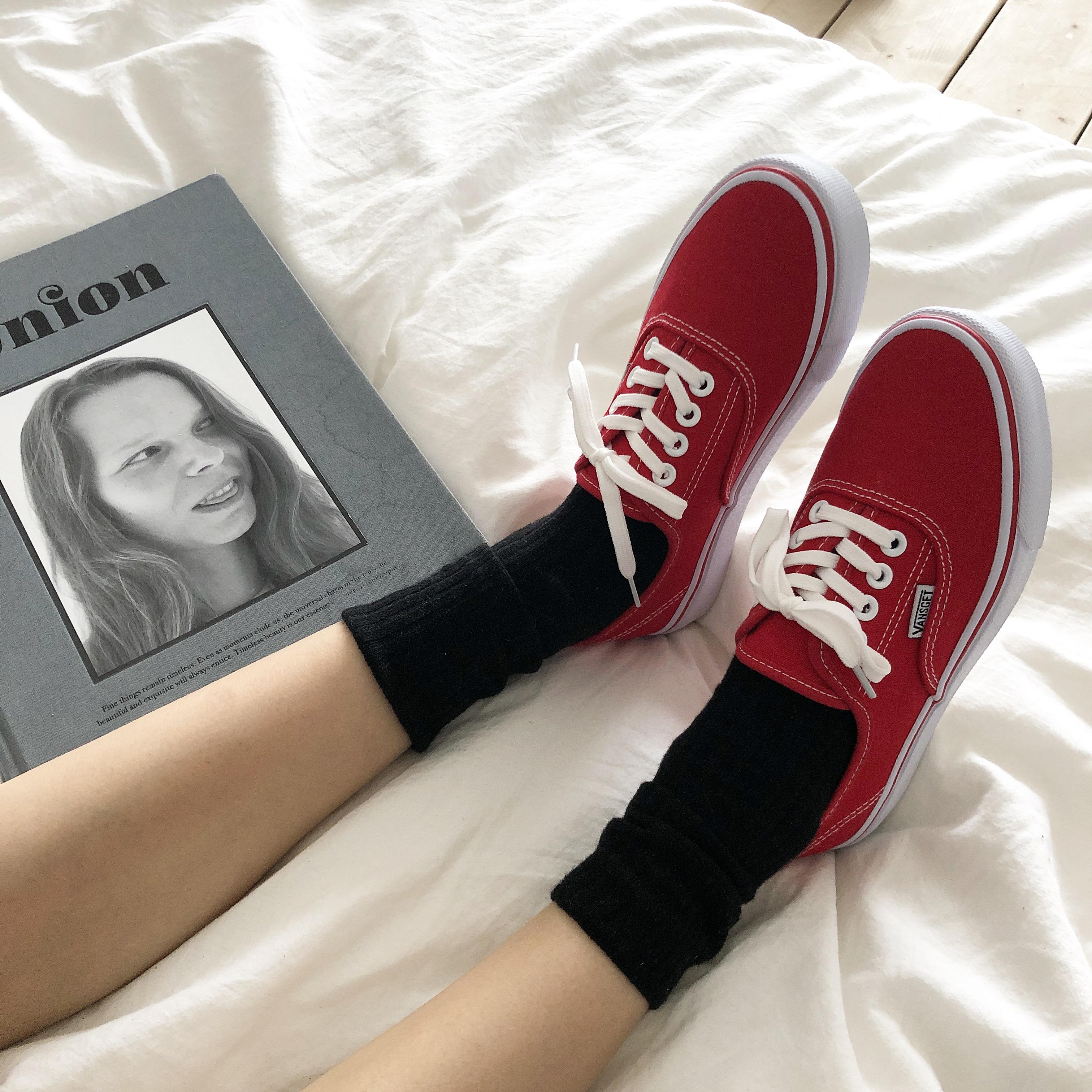 红色帆布鞋 许刘芒 韩国ulzzang百搭休闲红色帆布鞋女情侣滑板鞋学生男休闲鞋_推荐淘宝好看的红色帆布鞋
