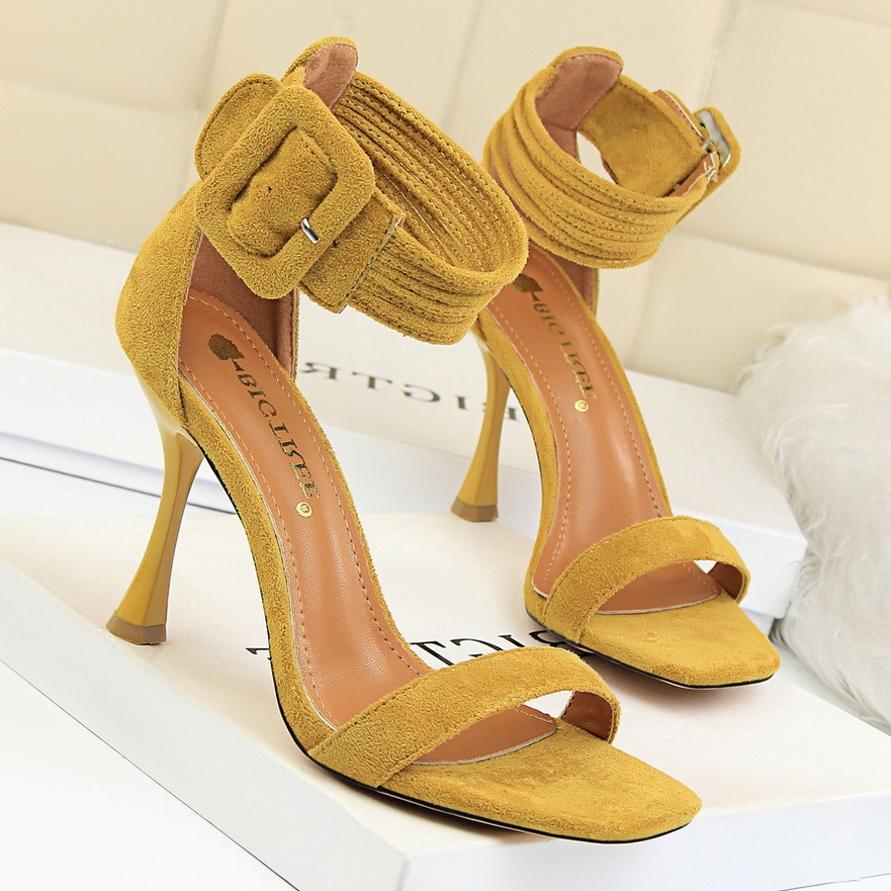 黄色鱼嘴鞋 18夏季新款姜黄色女鞋百搭露趾细跟性感凉鞋皮带扣高跟鞋包跟凉鞋_推荐淘宝好看的黄色鱼嘴鞋