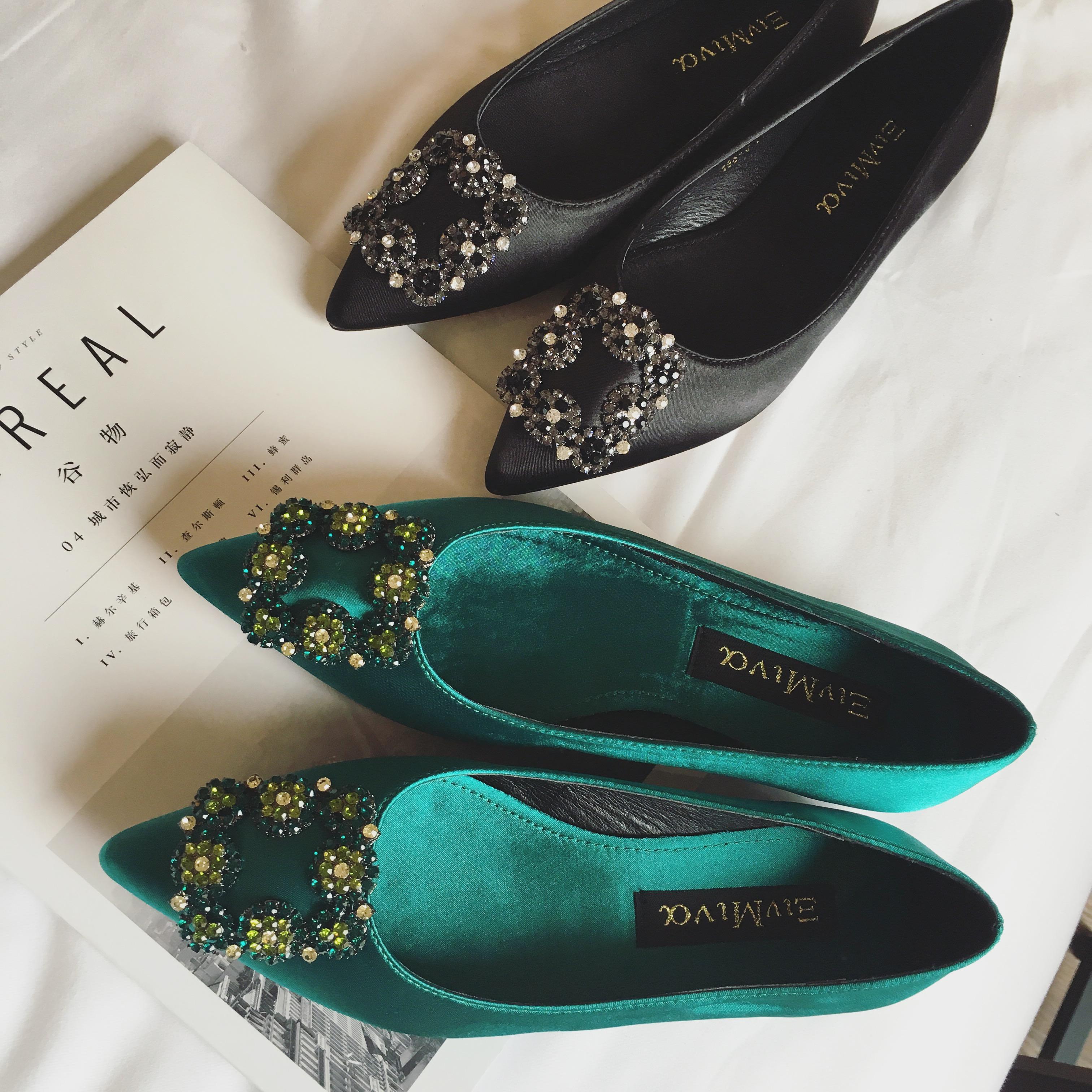 绿色平底鞋 欧美时尚街拍新款单鞋 闪亮水钻方扣绸缎面尖头浅口平底鞋绿色鞋_推荐淘宝好看的绿色平底鞋