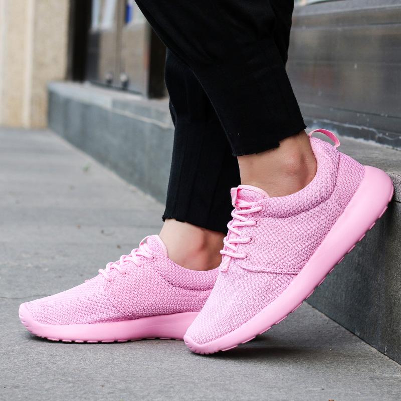 粉红色运动鞋 粉红色高中学生透气超轻软底运动鞋软妹ulzzang女全黑色 椰子鞋女_推荐淘宝好看的粉红色运动鞋