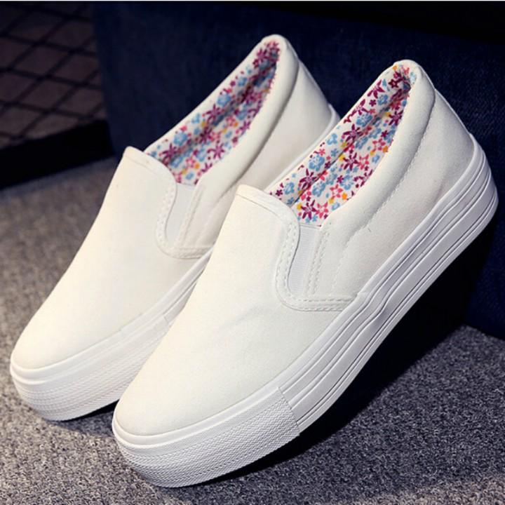 白色平底鞋 厚底无鞋带帆布鞋女平底不系带一脚蹬懒人黑白色百搭内增高小白鞋_推荐淘宝好看的白色平底鞋