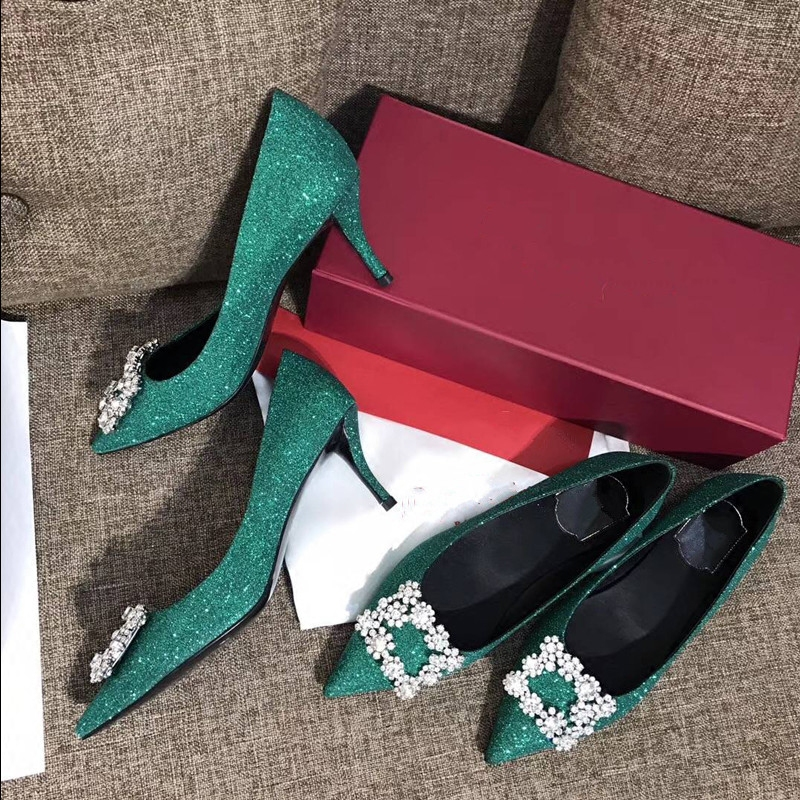 高跟rv鞋子 结婚鞋子女2018新款rv高跟鞋婚鞋水晶渐变色亮片伴娘尖头细跟单鞋_推荐淘宝好看的高跟rv鞋子