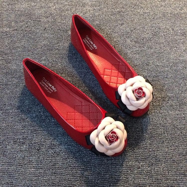 红色平底鞋 欧美春夏季新款平底单鞋女浅口方头鞋山茶花女鞋漆皮小香红色婚鞋_推荐淘宝好看的红色平底鞋
