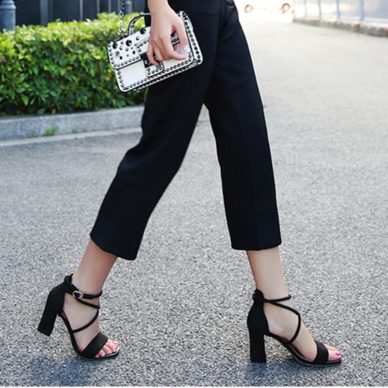 新款女士高跟凉鞋 凉鞋女2018夏季新款韩版百搭黑色粗跟一字交叉带高跟露趾罗马凉鞋_推荐淘宝好看的女新款高跟凉鞋