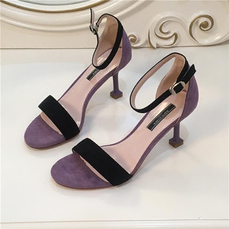 紫色鱼嘴鞋 欧美紫色露趾一字搭扣猫跟高跟鞋2018夏季新款圆头中空女细跟凉鞋_推荐淘宝好看的紫色鱼嘴鞋
