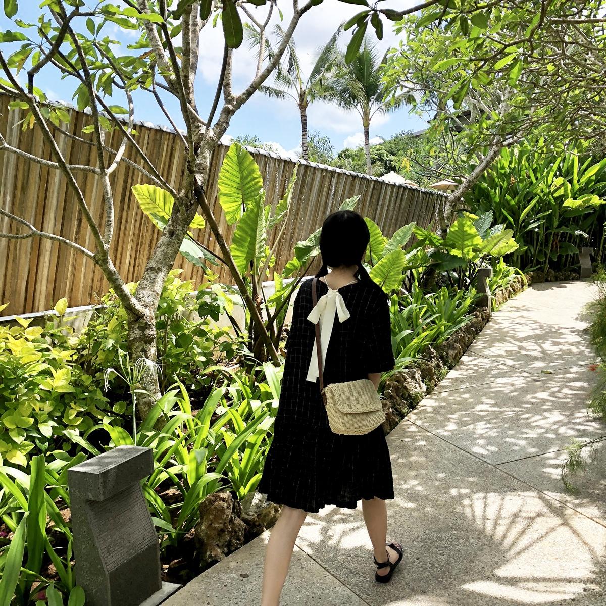 黑色连衣裙 YUKIXIAOSHU ins风格小格子褶皱面料背后系带少女连衣裙新款q0443_推荐淘宝好看的黑色连衣裙