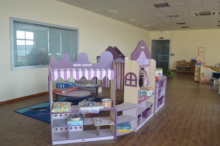 Детский письменный стол со стулом