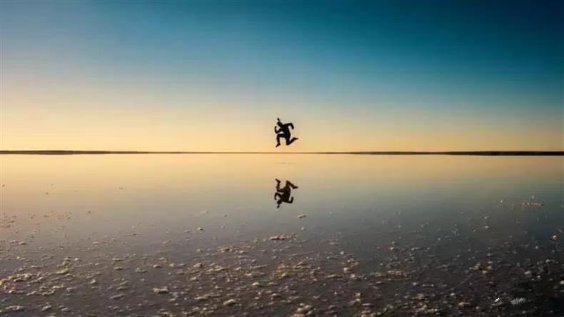 摄影干货  |  如何拍摄与人物环境呼应的倒影-长沙SEO霜天