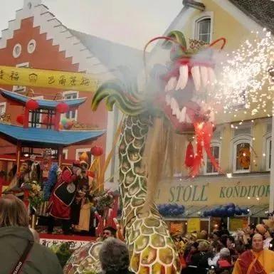 这个德国小镇居民自称中国人,官方语言为中文,春节竟然……