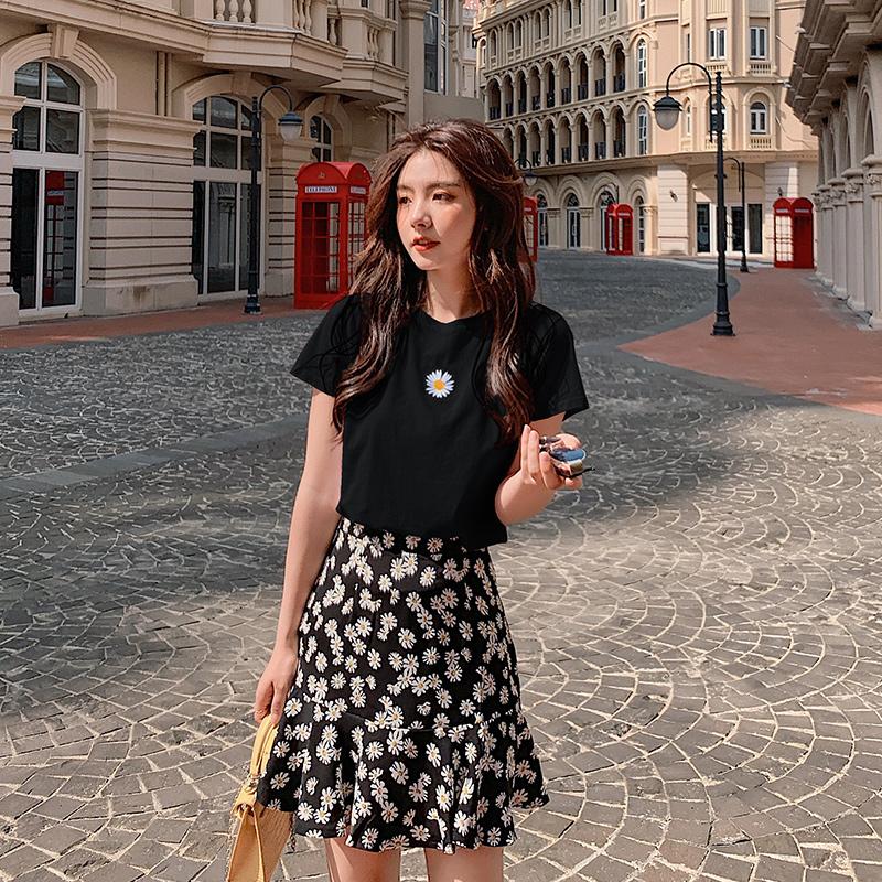 【恩帝夫】2020年夏季赫本轻熟风半身裙子小个子小雏菊两件套装女
