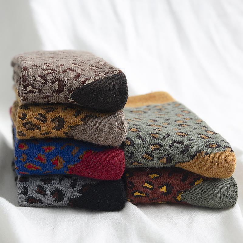 豹纹袜子女中筒袜秋冬ins潮韩国冬季羊毛堆堆袜加绒加厚保暖长袜