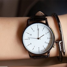 Korean version of the real belt simple and easy men and women student lovers watch a pair of leisure pointer quartz watch