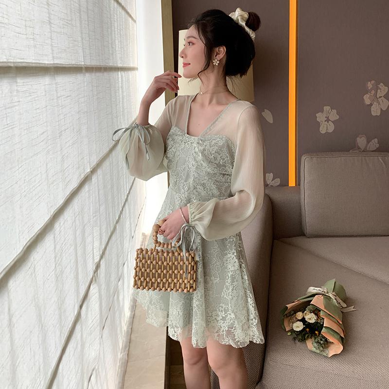 淑女气质v领蕾丝连衣裙2020春季新款超仙中长款复古长袖时尚裙子