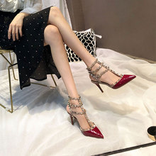 Rivet pointed high-heeled shoes from Europe and America