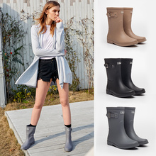 L_rain rainshoe women's fashion style wear the new anti-skid and waterproof mid-cylinder water shoe rubber shoes and rainboots of 2018