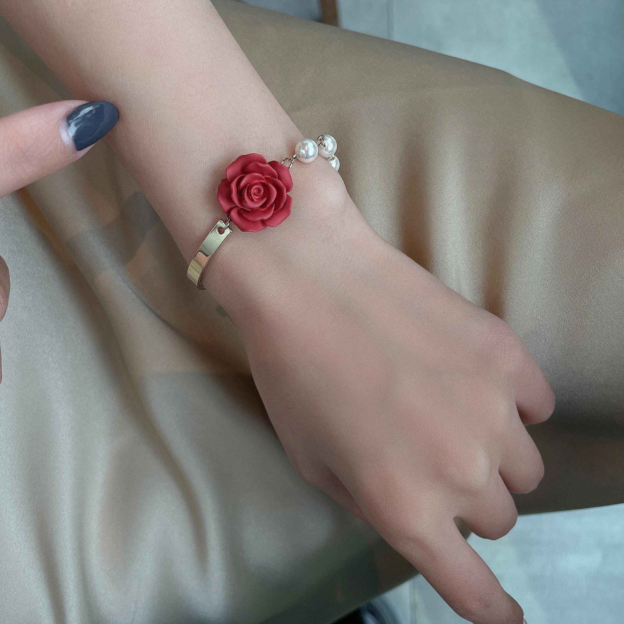 法式复古优雅玫瑰花朵珍珠手链ins小众设计巴洛克蝴蝶结手饰品女