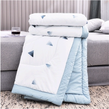 Air-conditioned quilts washed in spring and autumn with thin quilts in summer, cool quilts in summer, machine-washable single and double quilts in summer
