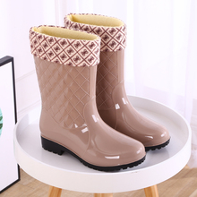 Fashion Rainshoe Ladies'Mid-barrel Warm Rainshoes Anti-skid Women's Water Shoes High-barrel Rubber Shoes Adult and Cotton Water Shoes Sleeve Shoes