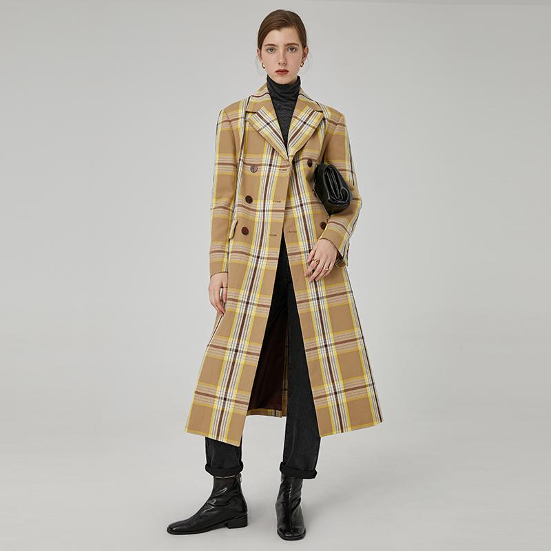范洛 2020秋冬杏仁色格纹宽松H廓形挺括大气长款西装领大衣外套女