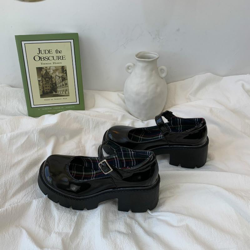 王小兔 韩国chic小皮鞋女英伦镂空森女系学院风复古玛丽珍大头鞋