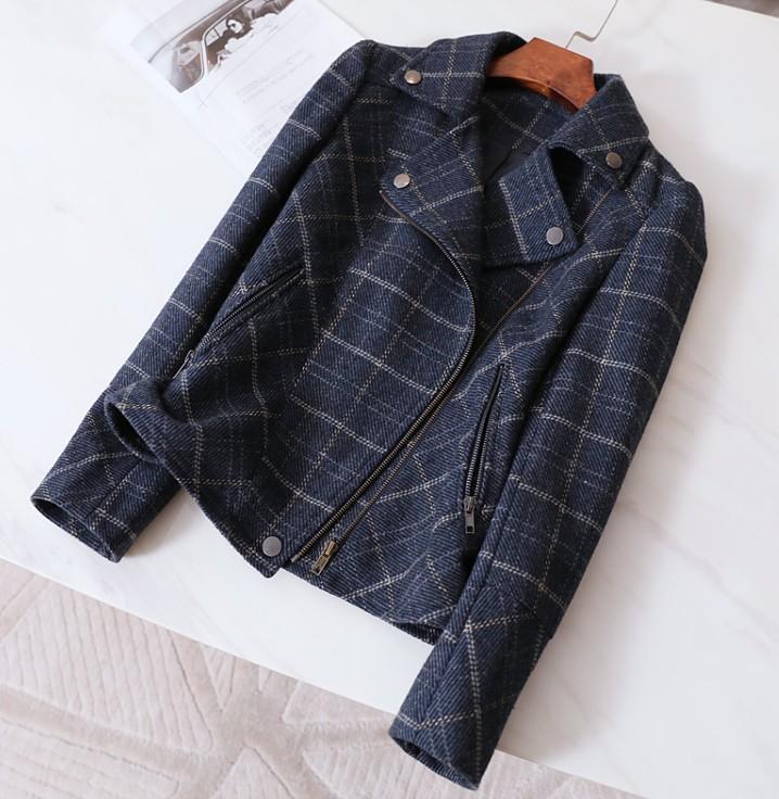 优雅洒脱并重的款式 立体收腰剪裁洋气格纹工装机车夹克羊毛外套