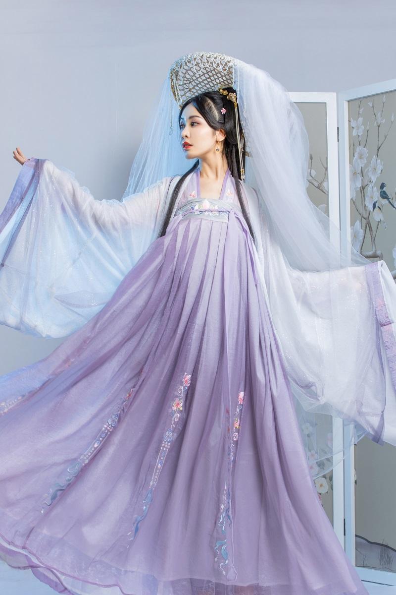 山有扶苏 原创鸢尾 传统汉服女大袖衫一片式齐胸襦裙套装六米摆