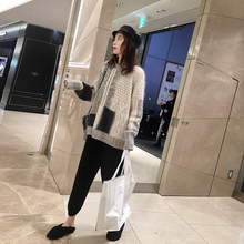 Zhang Beibell ins net red sweater of the same style women's winter new Korean version loose color matching round-collar knitted sweater