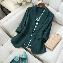 Thin suit, dark green skin, white body, a buttoned cotton and hemp small suit, seven-sleeve suit