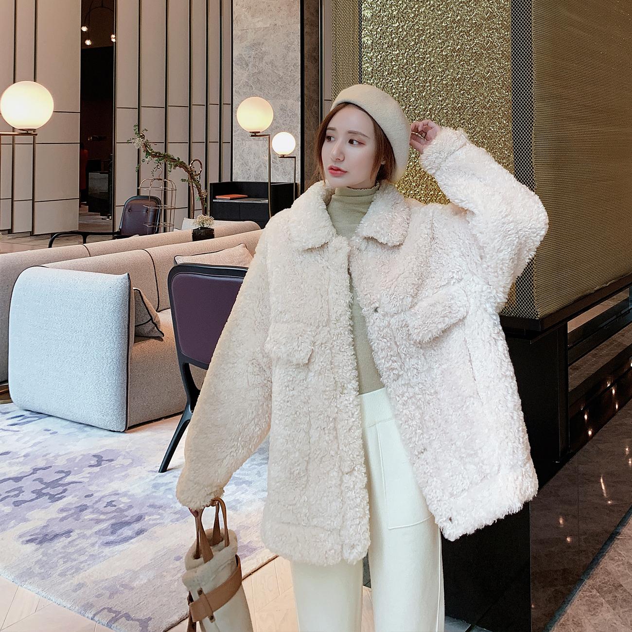 羊羔毛外套女2019年流行冬季新款韩版宽松短款加厚颗粒羊羔绒上衣