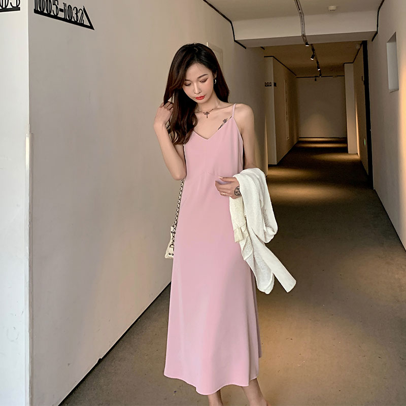 Pink sling dress womens summer 2021 new v collar waist show thin temperament light familiar royal sister style long skirt