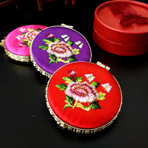 Chinese wind abroad to send foreigners double-sided silk embroidered mirror makeup mirror cultural activities small gifts to send women.