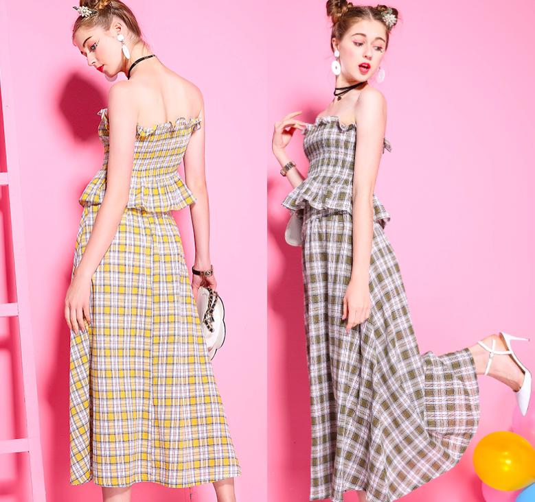 格纹吊带连衣裙
