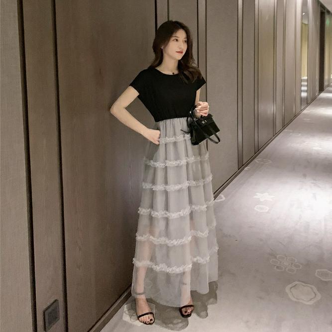 2019新款韩版中长款拼接连衣裙女生法式小众夏天流行...¥109.9