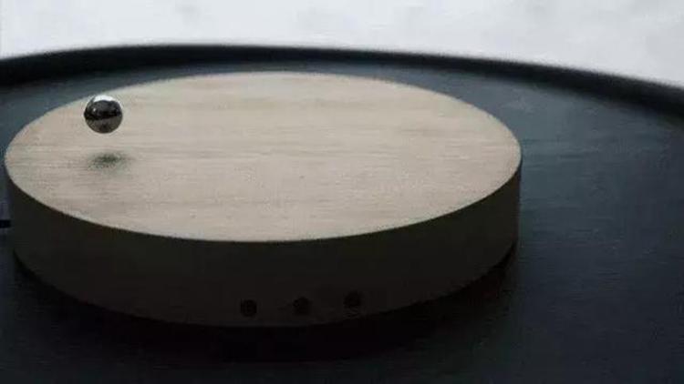 外国人设计出能够悬浮的时钟?!太酷啦!