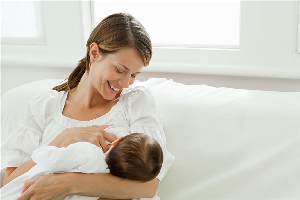 带你了解宝宝一吃奶就犯困的原因