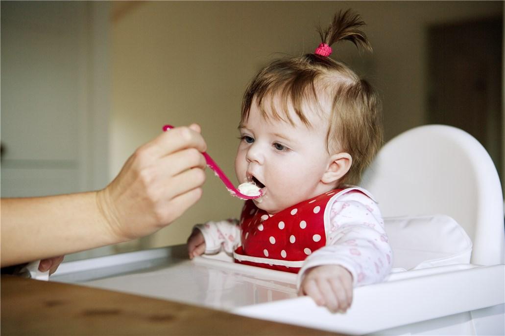 宝宝越长越大,害怕营养不够?饭前来点汤