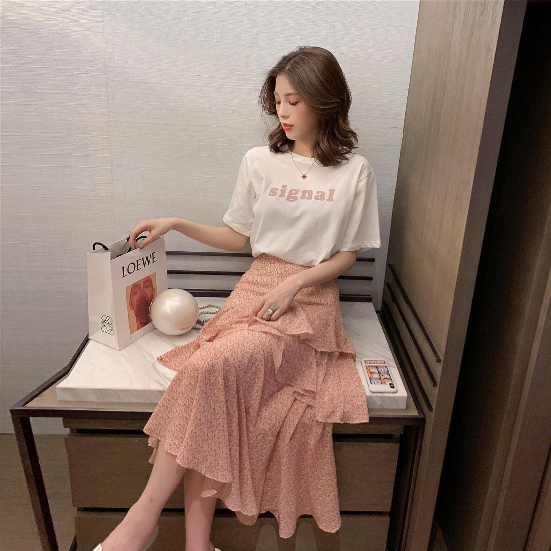 2019春季新款韩版印花短袖T恤+荷叶边半身裙套装女...¥139.9
